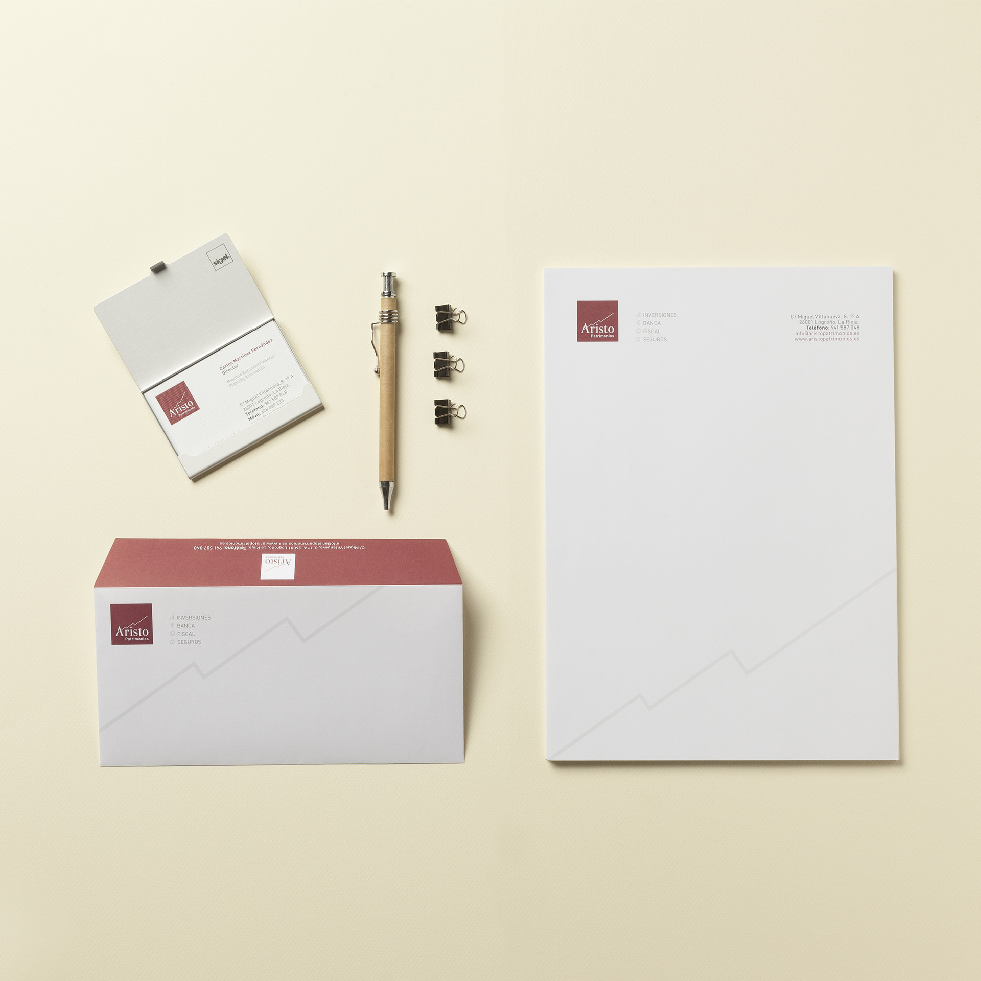 Diseño papelería corporativa gestión patrimonios