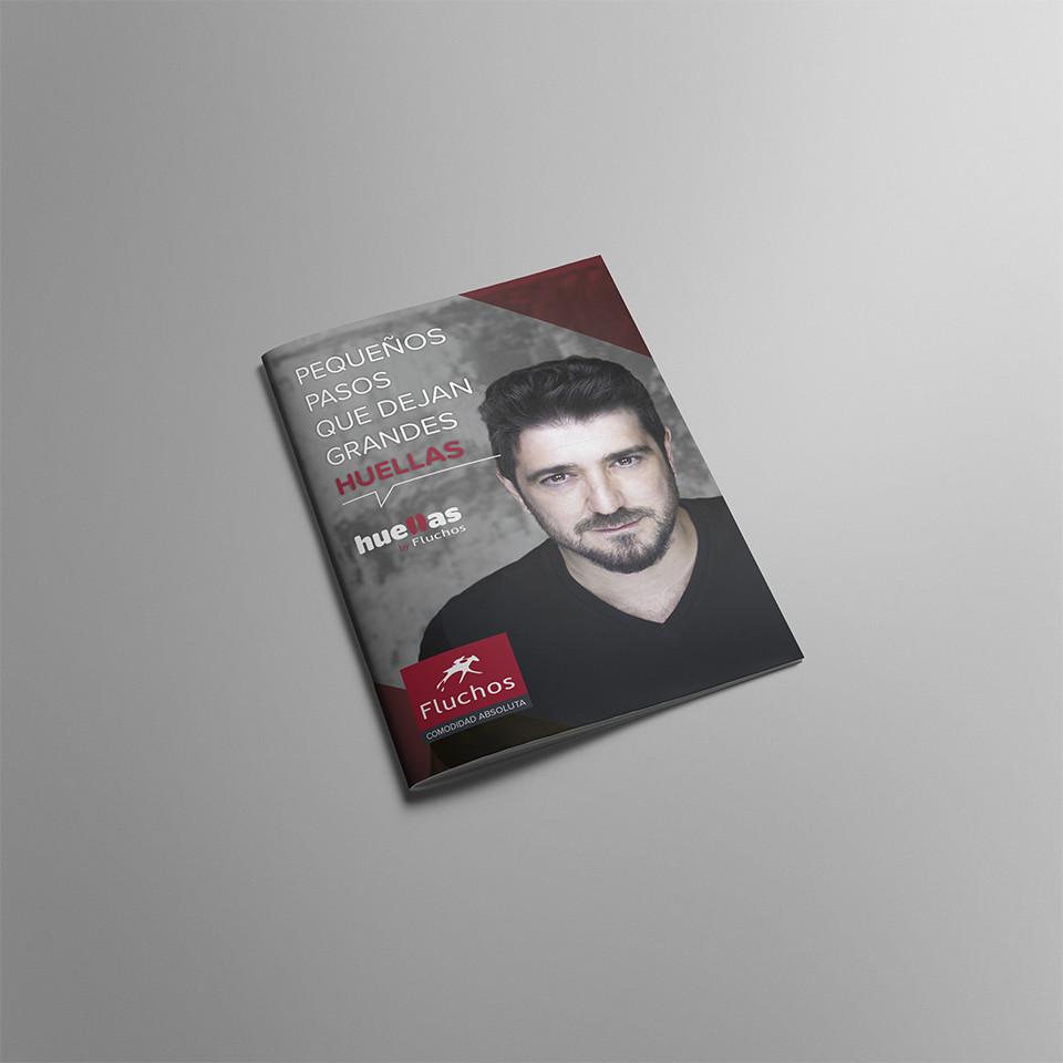 Diseño folleto huellas fluchos